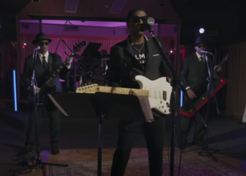Jam & Lewis and Babyface perform He Don't Know Nothin' Bout It on The Tonight Show